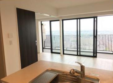 【居間・リビング】シティタワー金町 37階部分 最 上階 空室 2016年築