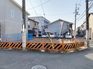 【前面道路含む現地写真】■茨木市庄二丁目・建築条件なし土地