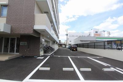駐車場、駐輪場