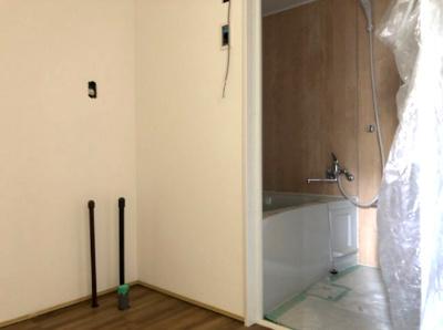 【浴室】トーマス与那原2