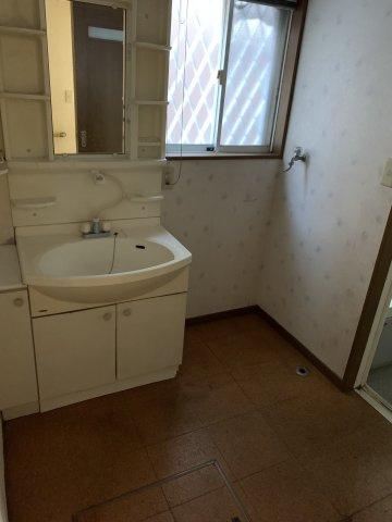 広々した洗面室です