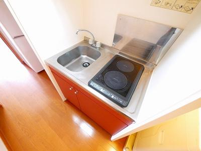 コンパクトなキッチンで掃除もラクラクです