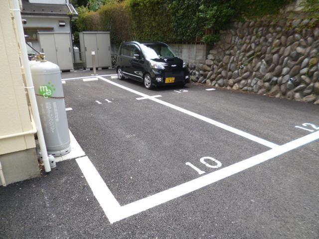 【駐車場】インパレス秋川 B棟