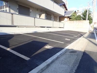 【駐車場】アルヴィスコート