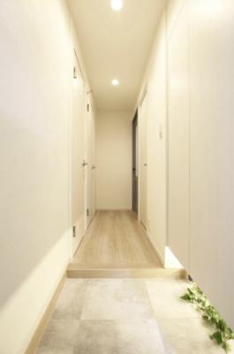 明るい玄関です。