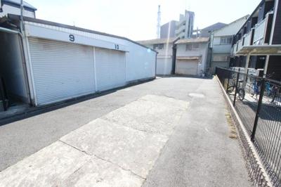 【外観】安中町6丁目シャッター付きガレージ