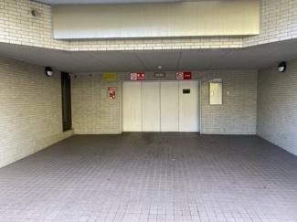 2021年8月1日現在 ゆとりがあり、出し入れしやすい駐車場です。