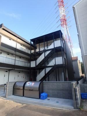 セコムホームセキュリティ完備の新築マンションです。