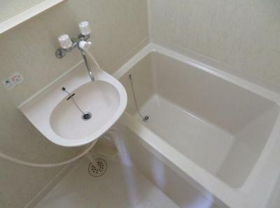 バスルーム(同一仕様写真)