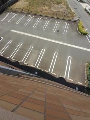 【駐車場】メゾン アウローラ