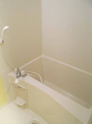 601号室の写真です・ボーテ菊名・風呂