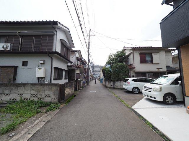 【前面道路含む現地写真】世界に2つとない永住にふさわしい特別仕様住宅