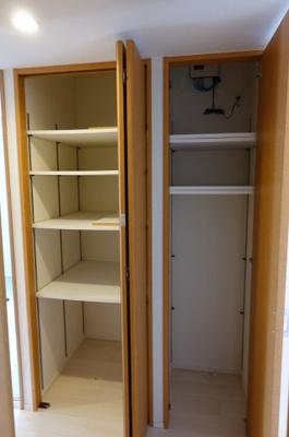 廊下収納戸棚です。