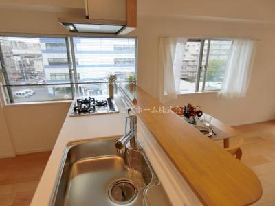 【キッチン】大島ロイヤルマンション 5階 角 部屋 リ ノベーション済