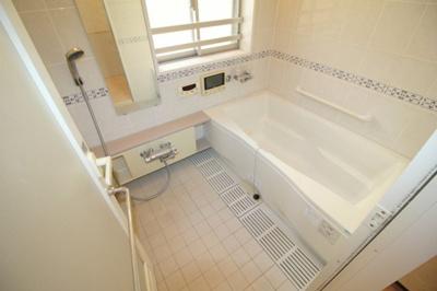 【浴室】豊中ガーデンハウス・ホワイティルW棟