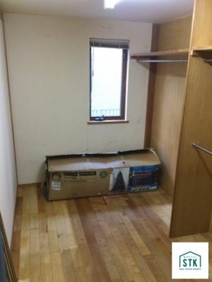 1階洋室クローゼット。