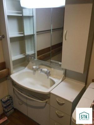 1階洗面室。