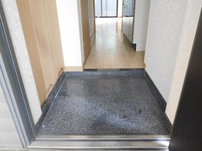 【玄関】ルーブル中野新井