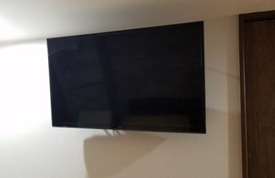 洋室壁掛けTV