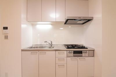 収納もたくさん出来る使いやすいキッチンです