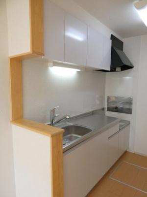 独立型キッチンなのでお部屋スッキリ
