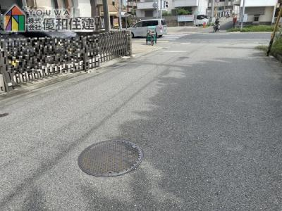 【前面道路含む現地写真】明石市魚住町中尾  中古戸建