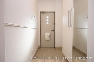 【玄関】H5 レジデンス