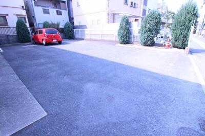 【駐車場】ヴィラアクティブF