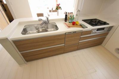 キッチンです:建物完成しました♪♪毎週末オープンハウス開催♪八潮新築ナビで検索♪