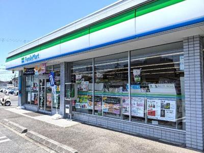ファミリーマート岸和田下松町店まで196m