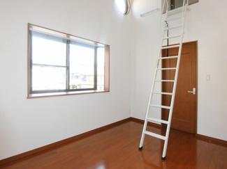 2階・洋室6帖(東側)