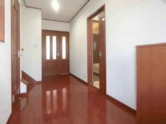 ゆったりとした空間の玄関ホール