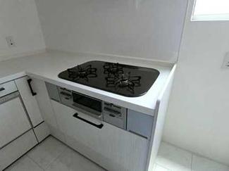 L型キッチンです