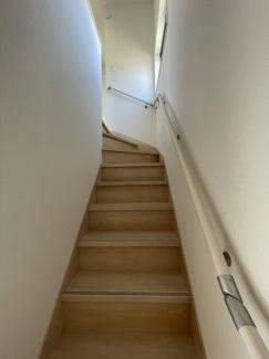 手摺付き階段