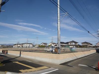 【前面道路含む現地写真】伊勢崎市田部井町土地D区画