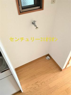 室内洗濯機置場です。人気の設備ですね。