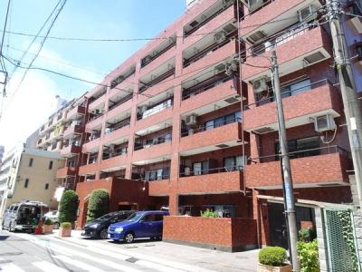 高級感漂うスタイリッシュモダンな建物です♪周辺施設も恵まれた、生活しやすい環境♪