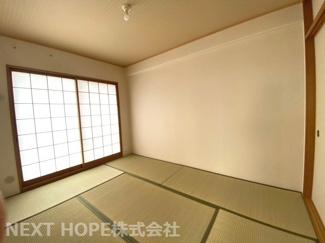和室6帖です♪足を伸ばして寛げる居室ですね!お客様部屋として・小さなお子様の遊びスペースとして色々活躍してくれる居室です♪
