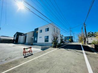 【前面道路含む現地写真】伊豆の国市吉田 新築戸建 B号棟