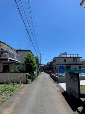 第一種低層住居専用地域ならではの広くて、高い空が見渡せる、閑静な住宅地です。