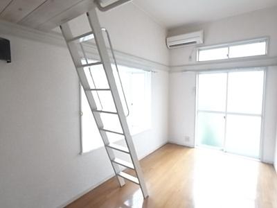 同じ間取りの別部屋の写真です。