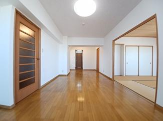 セザール検見川浜 壁紙を張替えており室内状況良好です!
