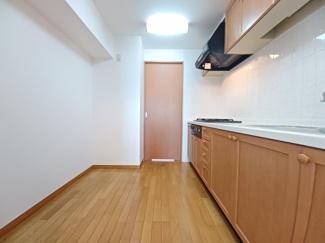 セザール検見川浜 家事動線の良い2WAYキッチンです!