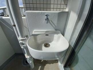 ファーストシーン津田沼 汚れ物を洗うのに便利なスロップシンク付きです!