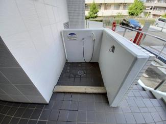 ファーストシーン津田沼 共用部分にはペット足洗い場が設置されております!