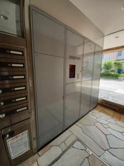 ファーストシーン津田沼 不在時に便利な宅配ボックスが設置されております!