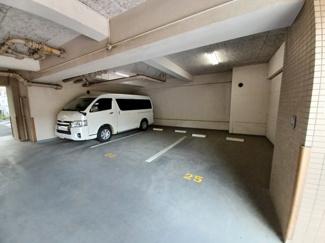 グレイスコート船橋 屋根付きの平置き駐車場です!