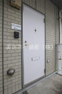 【玄関】ドウエルオカベ