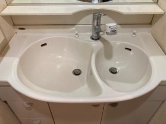 洗面台のボールは2つに分かれています