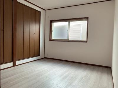 きれいな洋室です。約5.2帖の3階のお部屋です。